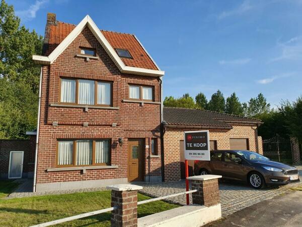 Vijf goede redenen om uw huis via een vastgoedmakelaar te verkopen